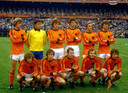 Ernie Brandts (staand derde van rechts) en Jan Poortvliet (zittend tweede van links) voor de WK-finale tegen Argentinië in 1978.