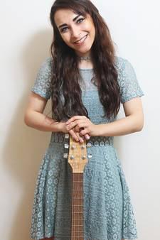 'Het is mij, mijn gitaar en mijn liedje'