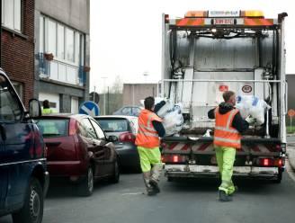 Deel vuilnisophalers in Brussel staken voor lichtere rondes