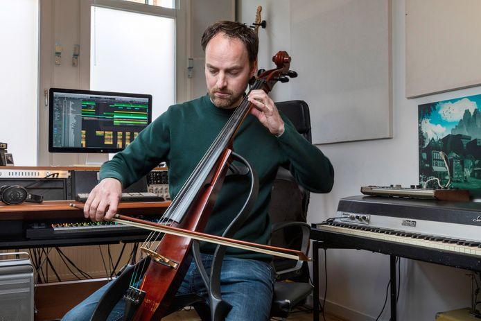 Pieter Perquin in zijn studio in Amsterdam-West.