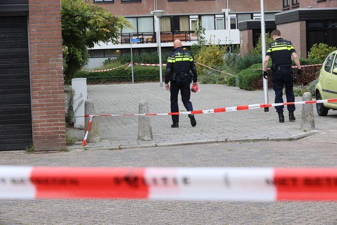 Politie zoekt naar sporen na een schietpartij op de Remichweg in Eindhoven