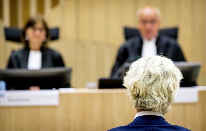 Geert Wilders in de rechtszaal.