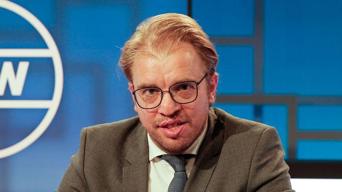 """""""Mensen vinden gewoon dat België kampioen moet worden"""", zegt Jan Jaap van der Wal, de Nederlandse presentator van De Ideale Wereld."""