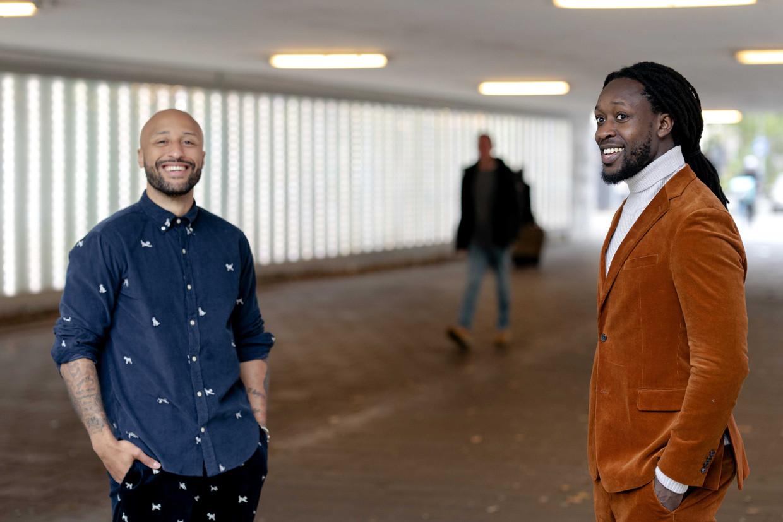 Initiatiefnemers Akwasi (r) en Gianni Grot van de nieuwe Omroep Zwart.  Beeld Sander Koning/ANP