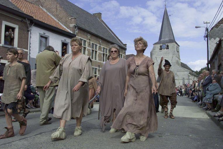 Tijdens de stoet in Meldert in 2000.