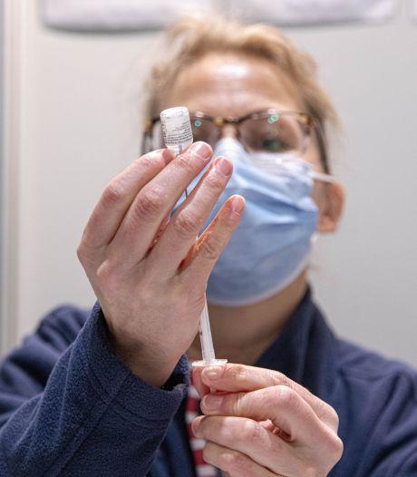 Overgebleven vaccins in deze regio mogen naar kwetsbare patiënten: 'Armen bij de GGD zijn op'