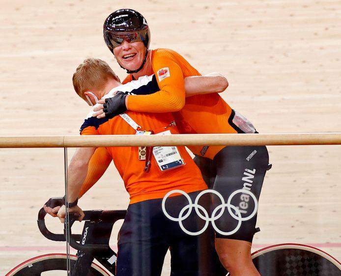 Kirsten Wild staalt nadat ze het brons heeft behaald op de puntenkoers.