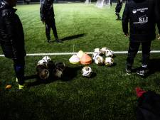 Amateurvoetbal: trainen met groepjes van vier mag niet meer en winterstop is nu een feit