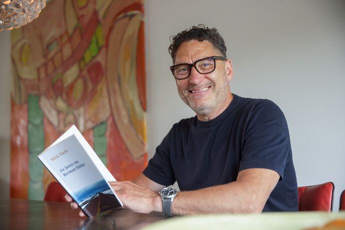 Mick Harte uit Willemstad schreef zijn eerste roman: De Jaren van Berman Helder.