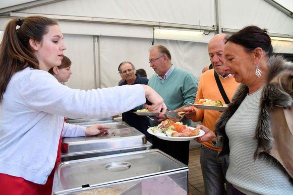 De supporters konden ook genieten van een heerlijke barbecue.