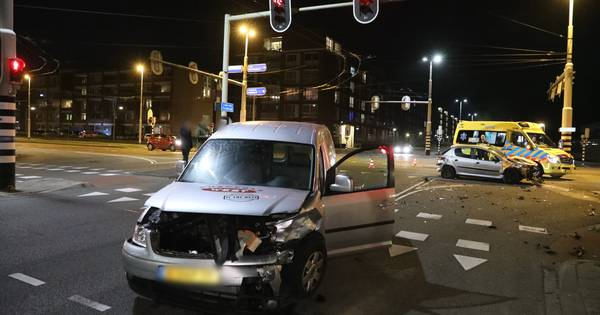 Gewonde bij ongeval op kruising Arnhem.