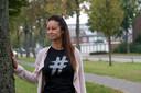 """Een beetje onwennig loopt Marjan Gorissen (44) over de groenstrook in de Heusdenhoutsestraat in Breda. De afgelopen 23 jaar reed ze met een grote bocht om deze straat heen. ,,Het voelt naar om hier te zijn"""", zegt ze. ,,De plek waar de ellende begon."""""""