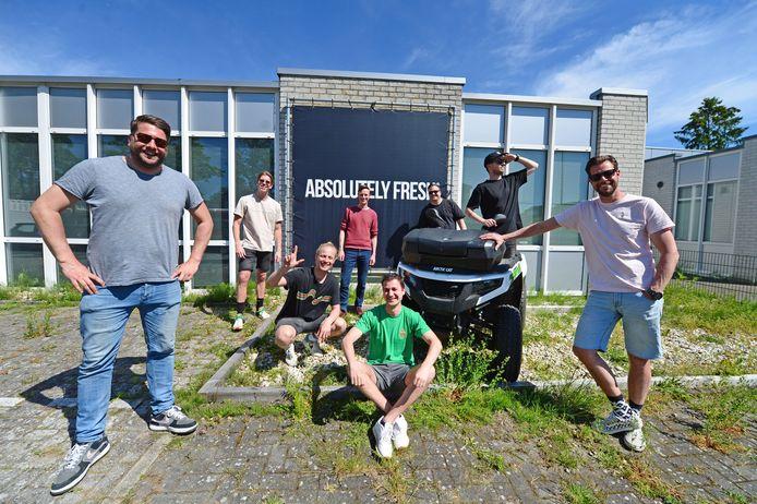 Het festivalseizoen giet oan! Bij Absolutely Fresh - het grootste festivalbureau van Twente - halen ze opgelucht adem. Links Eric van Oosterbaan