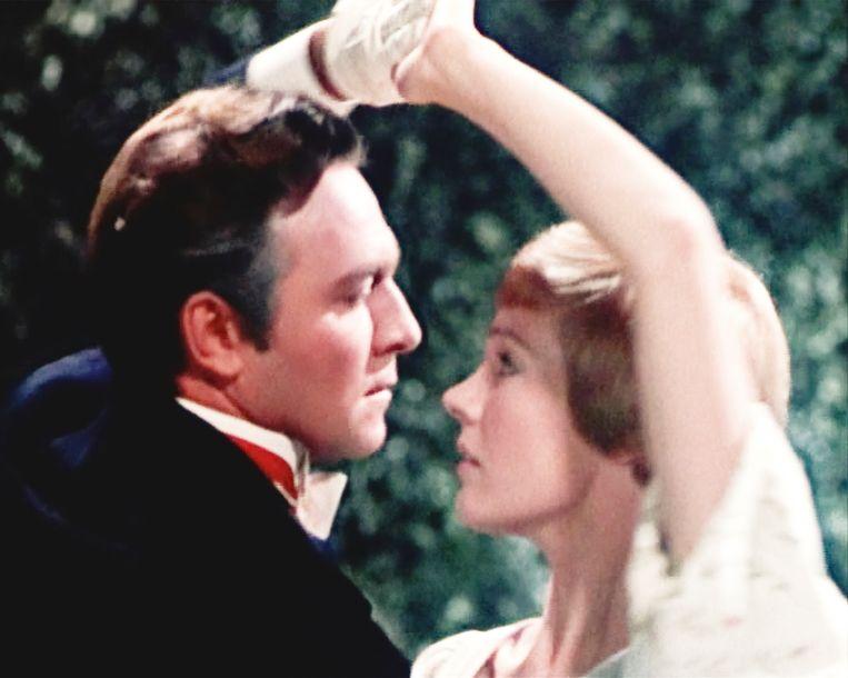 Julie Andrews en Christopher Plummer dansen in 'The Sound of Music' uit 1965. Beeld