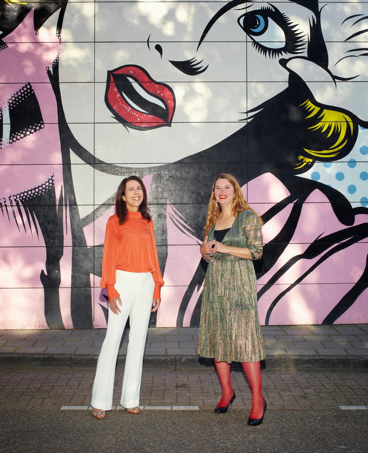 Jacqueline Grandjean (links) en Ann Demeester. Beeld Daniel Cohen