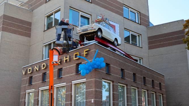 DAF 32 op dak verpleeghuis Vonderhof