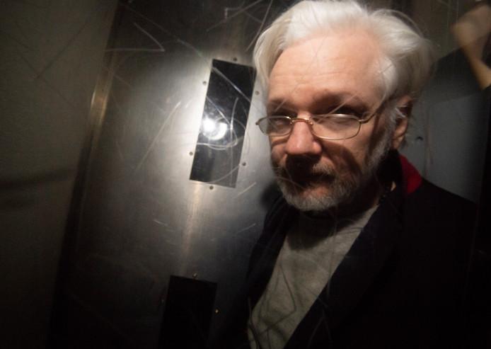 Het gaat beter met de gezondheid van WikiLeaks-oprichter Julian Assange.