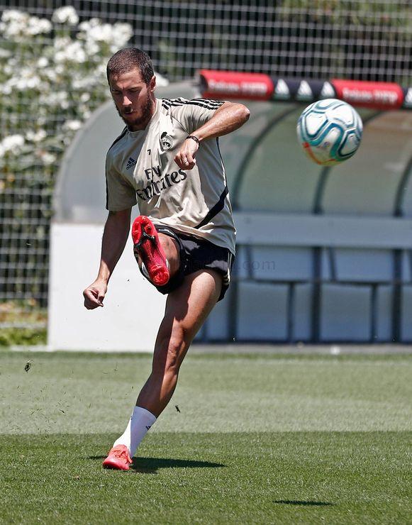 Eden Hazard traint mee met Real.