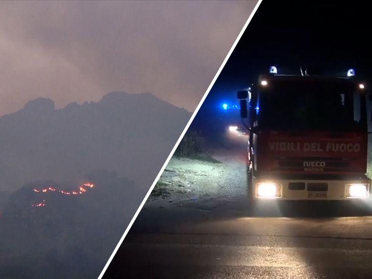 Brandweer Sicilië vecht tegen natuurbranden bij recordhitte