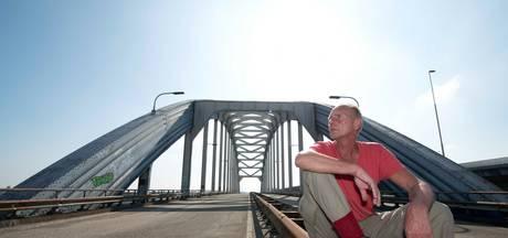 Boogbrugliefhebber Van Sijl vraagt provincie sloop te voorkomen