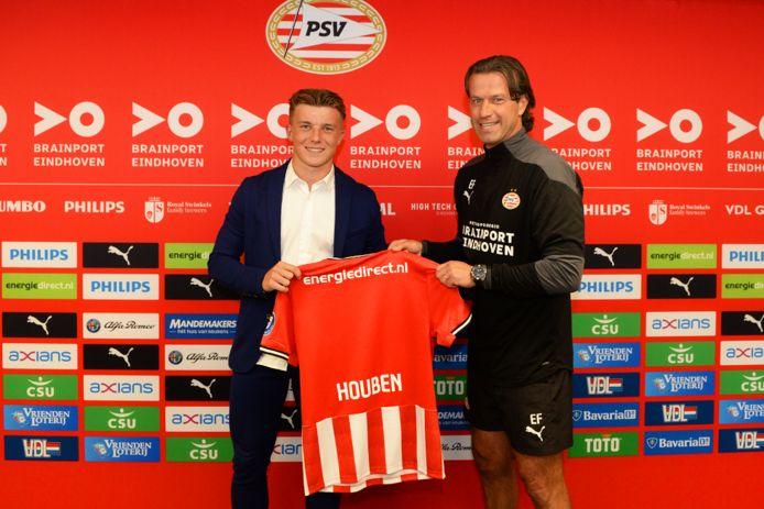 Iggy Houben en hoofd opleidingen Ernest Faber van PSV.