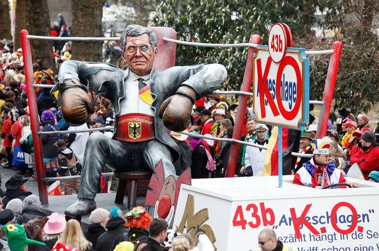 Wulff fungeerde tijdens verschillende carnavalsoptochten begin 2012 als kop van Jut. Beeld Getty Images