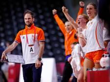 Franse coach Oranje-handbalsters klaar voor kraker tegen vaderland: 'Kan niet zeggen dat het me niets doet'