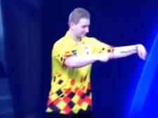 Van den Bergh danst zich naar stunt op WK darts
