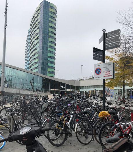 Arnhemmers opgelet: fietsen op Stationsplein worden vanaf november verwijderd