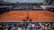 """Ook bij Servisch tennistoernooi van Djokovic is er van social distancing nog amper sprake: """"We moeten weer vooruit"""""""