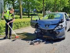Politie betrapt 'ramptoerist' op filmen achter het stuur van ongeluk waarbij gewonde viel in Zevenaar