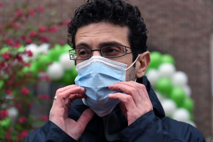 Mohamed Ridouani is niet van plan om de mondmaskerplicht in het centrum van Leuven te versoepelen.