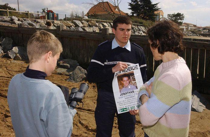 Le petit Jonathan avait été enlevé dans la nuit du 6 au 7 avril 2004 dans un centre de vacances, près de Saint-Nazaire. Son cadavre avait été découvert le 19 mai, ligoté et lesté d'un parpaing dans un étang proche de Guérande, à 25 kilomètres du lieu de l'enlèvement.