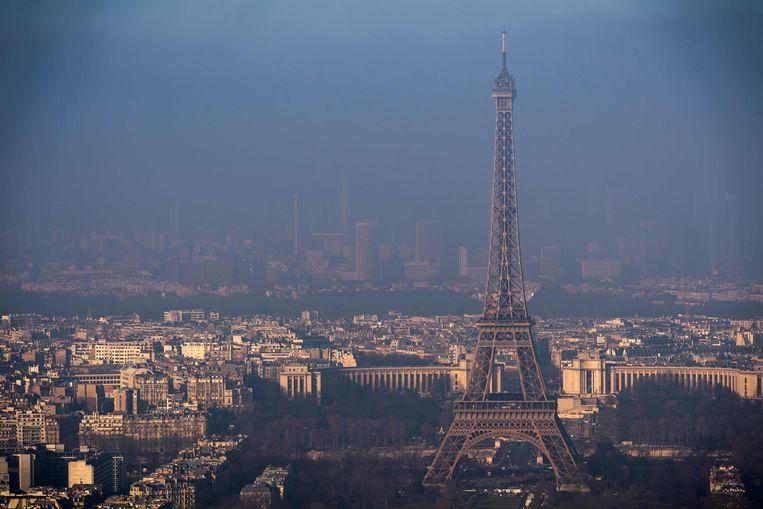 De maatregel is in het leven geroepen om iets te doen tegen de luchtvervuiling in de Franse hoofdstad. Beeld AFP