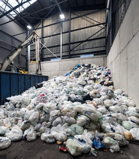 Harde woorden in gemeenteraad Zaltbommel over 'draai' in besluit luiercontainers