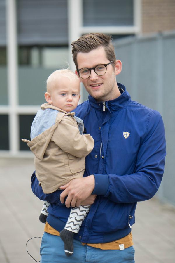 Alexander den Hartog met zijn zoontje Jens.
