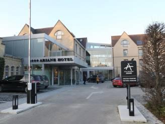 Hotel Ariane biedt gratis parking aan voor omwonenden en pendelaars zolang ze gesloten blijven