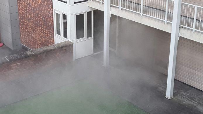 Veel rook bij het brandje in de kelder.