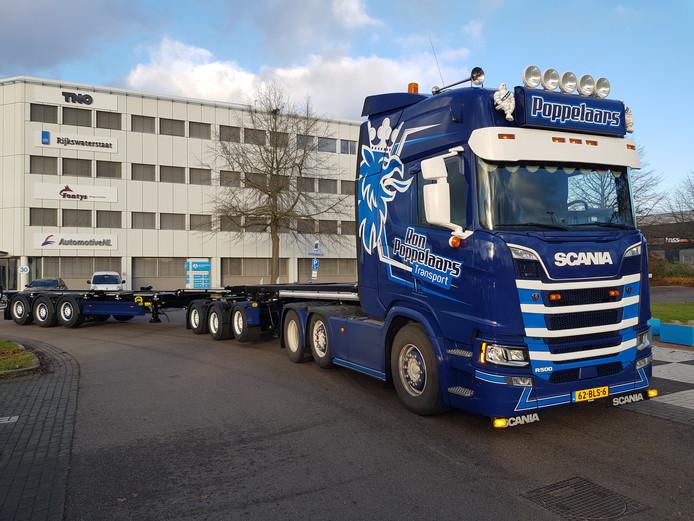 Exra-lange vrachtwagencombinatie voor de Duitse markt van Jumbo Groenewegen.