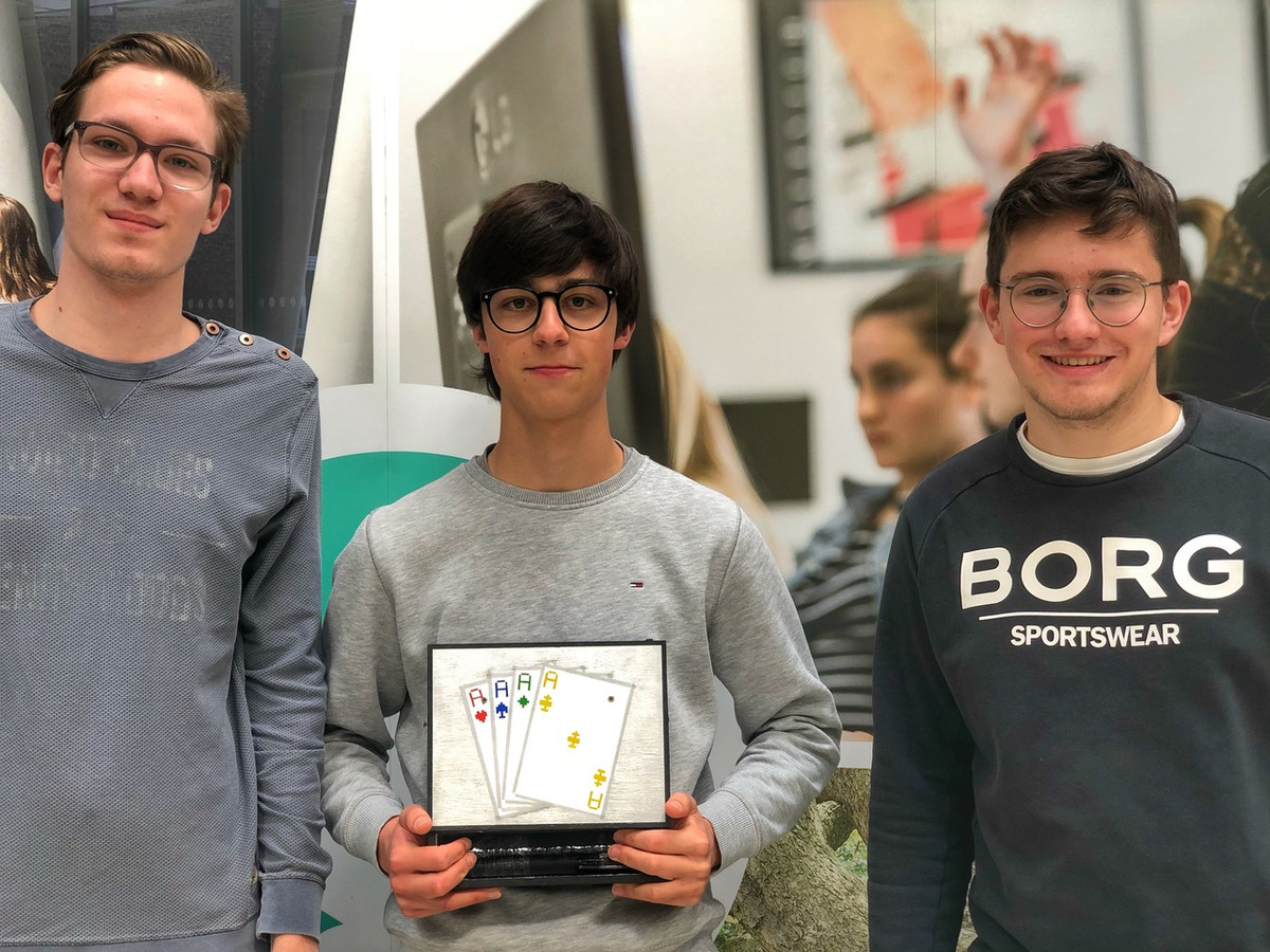 Niels van Put, Yoran De Sutter en Marijn Everaert uit 6G van het College ten Doorn in Eeklo.