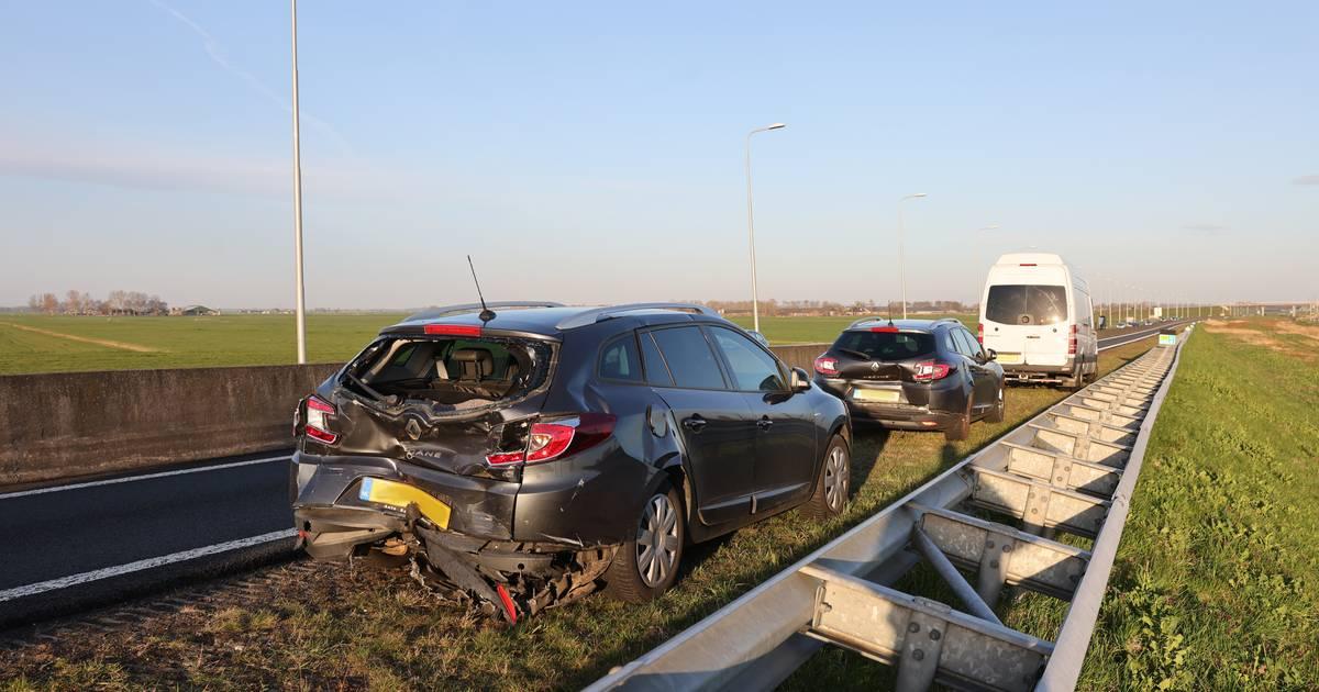N50 tussen Hattemerbroek en Kampen dicht na kop-staartbotsing.