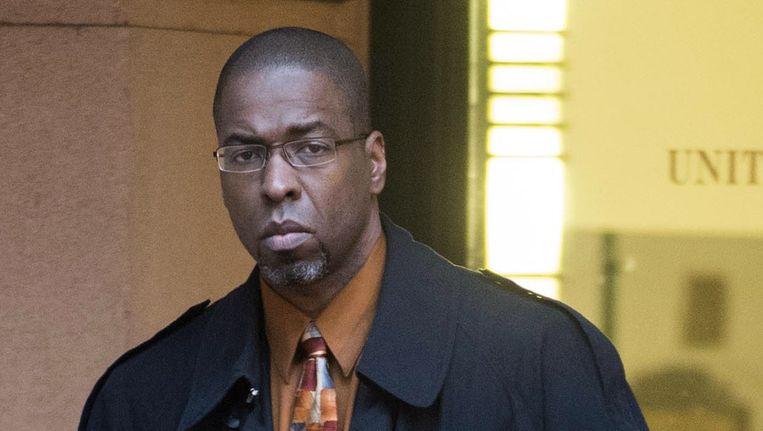 Voormalig CIA-agent Sterling verlaat de rechtbank. Beeld ap
