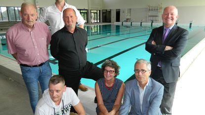 Volksfeest voor opening nieuw zwembad