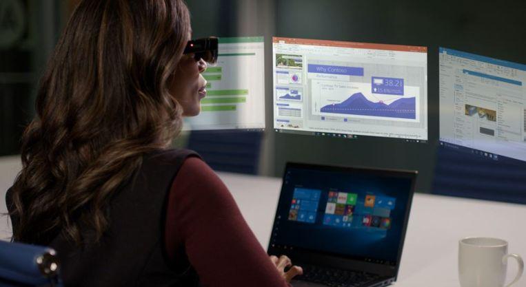 Vijf virtuele schermen tegelijk dankzij een speciale bril. Beeld Lenovo