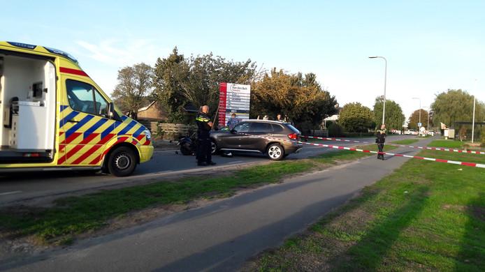 De Tuindersweg is afgezet na het ongeluk.