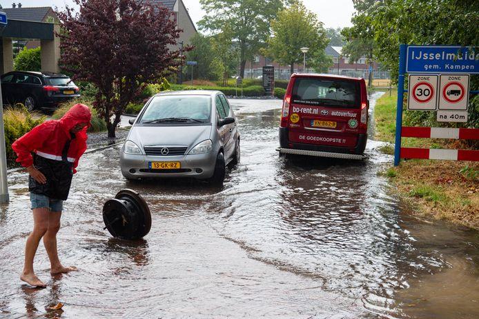 Wateroverlast in de Baan in IJsselmuiden moet na dit jaar tot het verleden behoren.