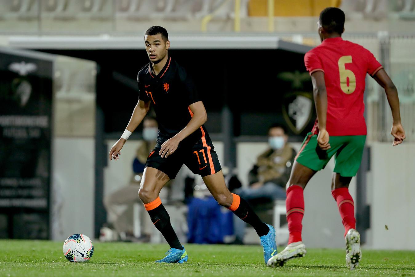 Gakpo in actie tegen Jong Portugal.