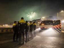 LIVE | Weinig vuurwerkslachtoffers, brandweer bijna 4000 keer gealarmeerd, veel autobranden