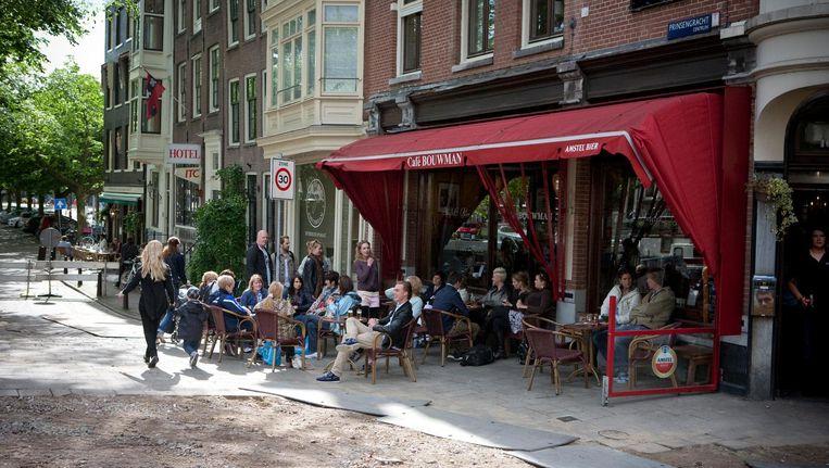 Café Bouwman, op de hoek van de Utrechtsestraat en de Prinsengracht. Beeld Floris Lok