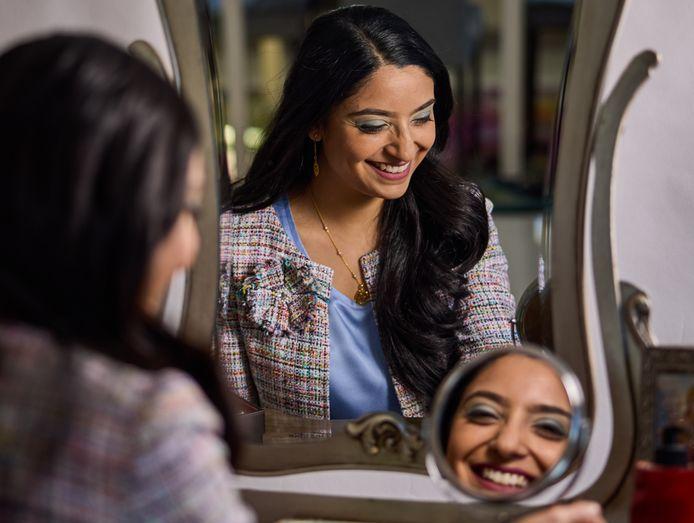 """Mahesvari Autar, oprichter DesiYUP Media Productions: ,,Ik ben trots op mijn Rotterdamse, Surinaams-Hindoestaanse en Indiase identiteit."""""""